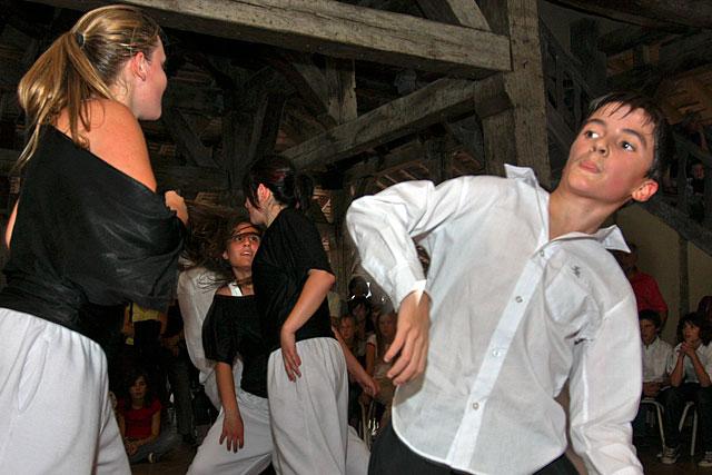 Les jeunes danseurs de 2009 sont devenus des grands... Photo © Jean-Paul Epinette - icimedia@free.fr