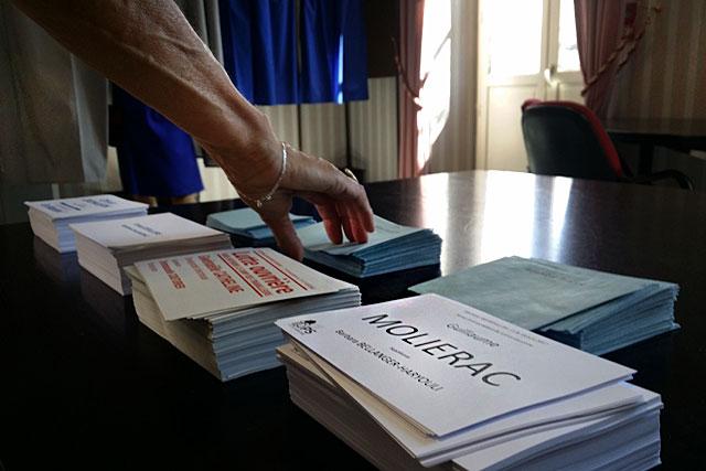 Lundi matin, le personnel politique sera profondément renouvelé...|Photo © jean-Paul Epinette - icimedia@free.fr