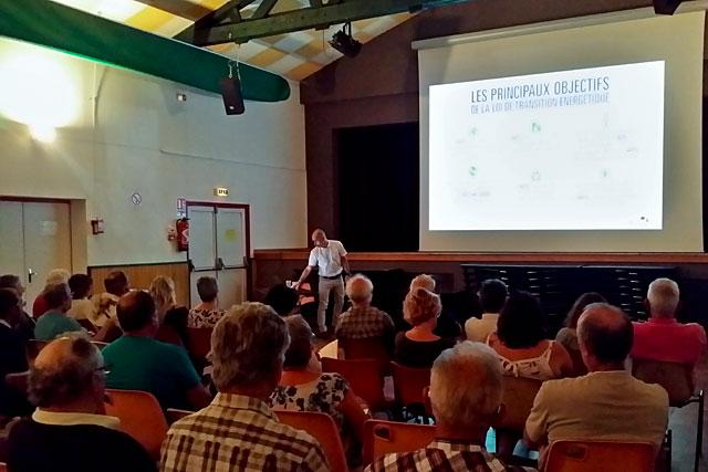 Les délégués des communes étaient à Villeréal pour parler énergie positive...|Photo © jean-Paul Epinette - icimedia@free.fr