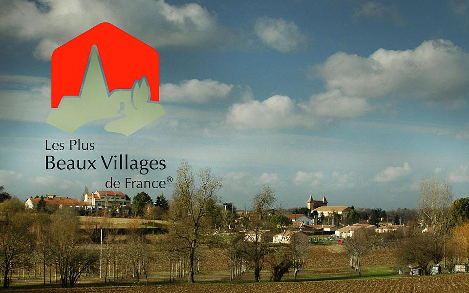 Villeréal compte désormais parmi Les Plus Beaux Villages de France.|Illustration © jean-Paul Epinette - icimedia@free.fr