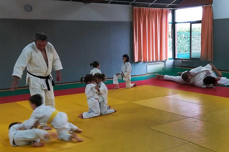 De 7 à 77ans... le club d'arts martiaux des 4 cantons compte 139 licenciés.|Photo © Pierre-Antony Epinette - icimedia@free.fr