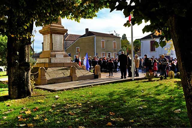 Une foule exceptionnelle a commémoré le centième anniversaire de l'armistice de 1918 qui mit un terme à ce que les anciens nommaient La Grande Guerre...|Photo © jean-Paul Epinette - icimedia@free.fr