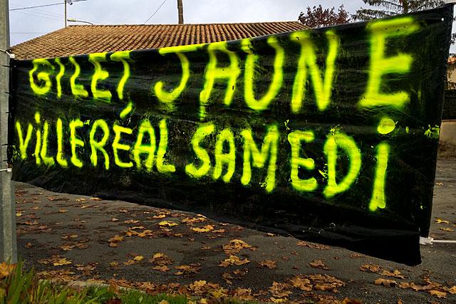 Les gilets jaunes se sont donné rendez-vous à Saint-Roch samedi à partir de 8h30.|Photo © jean-Paul Epinette - icimedia@free.fr