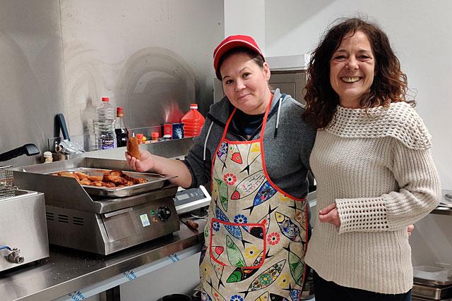 Au restaurant La Casa Real, Marie Jo a trouvé un compromis : l'épicerie sera ouverte et elle fournira des plats à emporter... Photo © Jean-Paul Epinette.