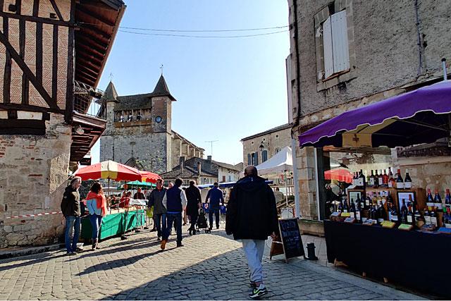 Les 85 marchés seront répartis sur toutes les places de la bastide...|Photo © Jean-Paul Epinette.