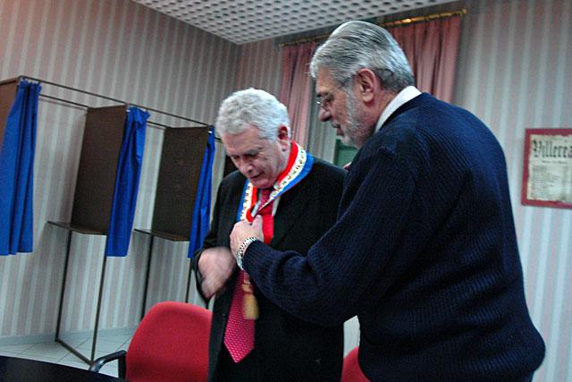 Passage de témoin entre Guy Berny et Pierre-Henri Arnstam lors de la séance d'installation le 14 mars 2008.|Archive© jean-Paul Epinette