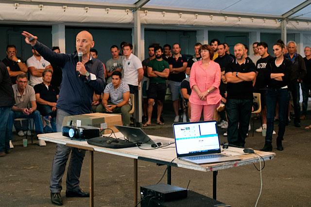 Sébastien Benne, l'un des quatre co-présidents, a détaillé le fonctionnement du club au cours d'une projection vidéo.|Photo © Jean-Paul Epinette.