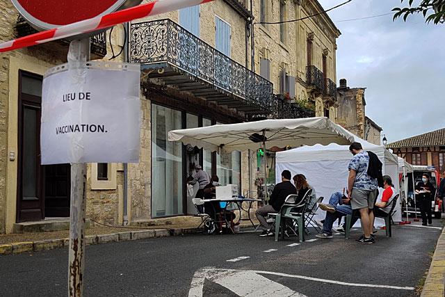 Samedi, le stand de vaccination sera installé Place du Fort...   Photo © Jean-Paul Epinette