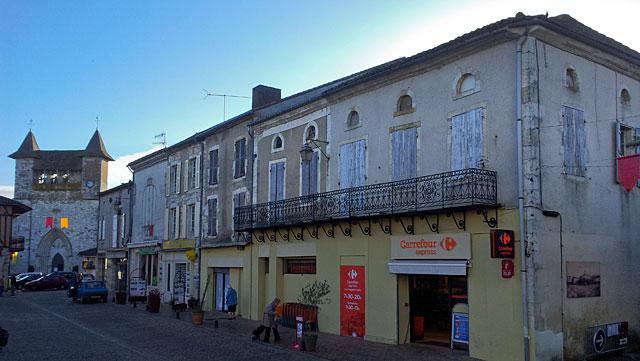 La municipalité a décidé de prolonger le coup de pouce à la réhabilitation des façades de la bastide...|Archives Jean-Paul Epinette
